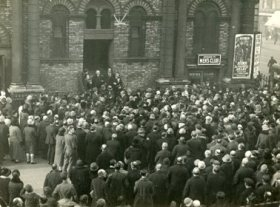 Rev Lax and crowds outside of King Georges Hall c 1920s