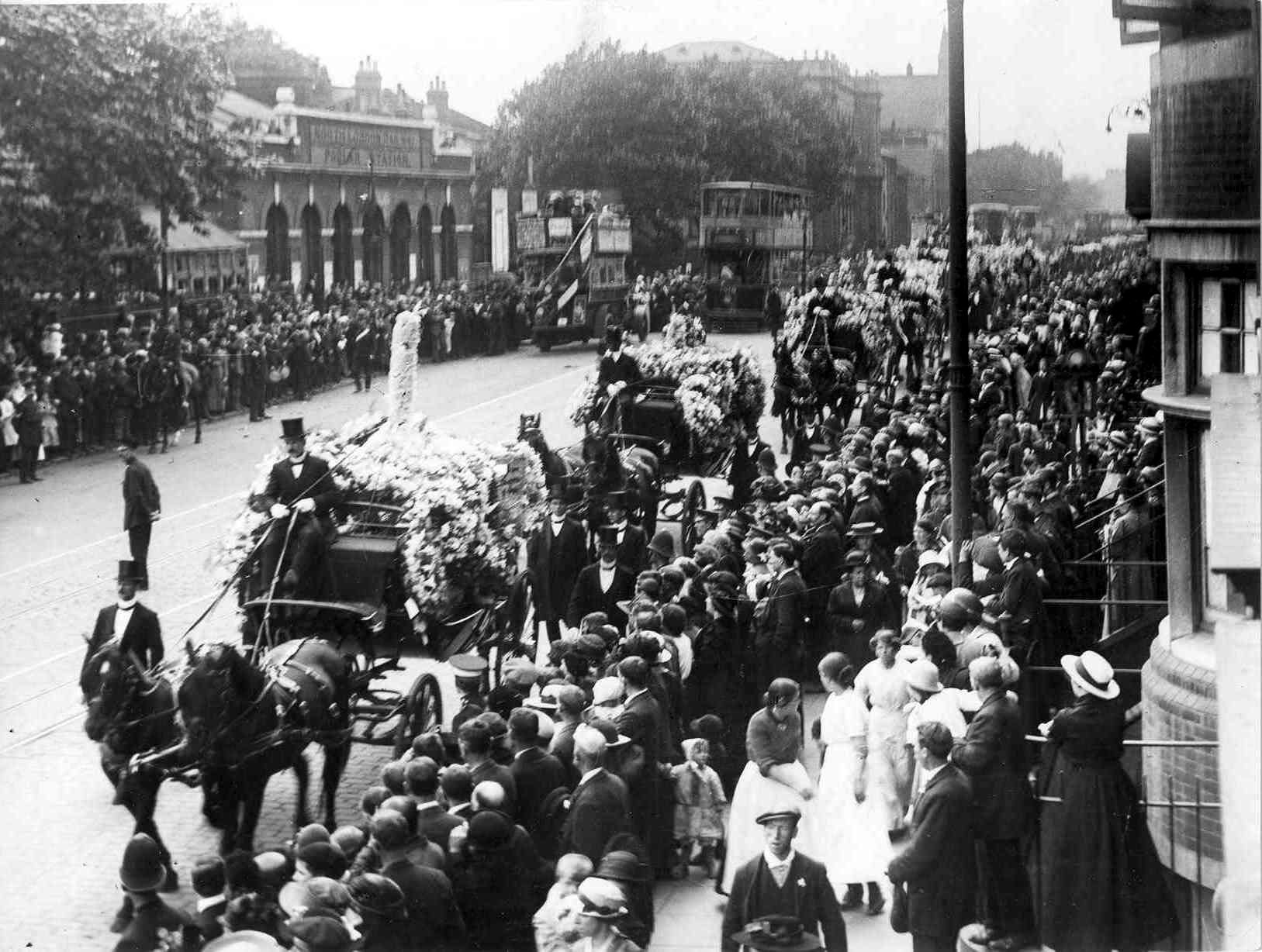 Funeral of the 18 children killed at the Upper North Street School, 20 Jun 1917_ The cortege passing along East India Dock Road