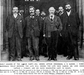 Early leaders of the Labour Party in 1906. Crooks' is in the centre, hatted